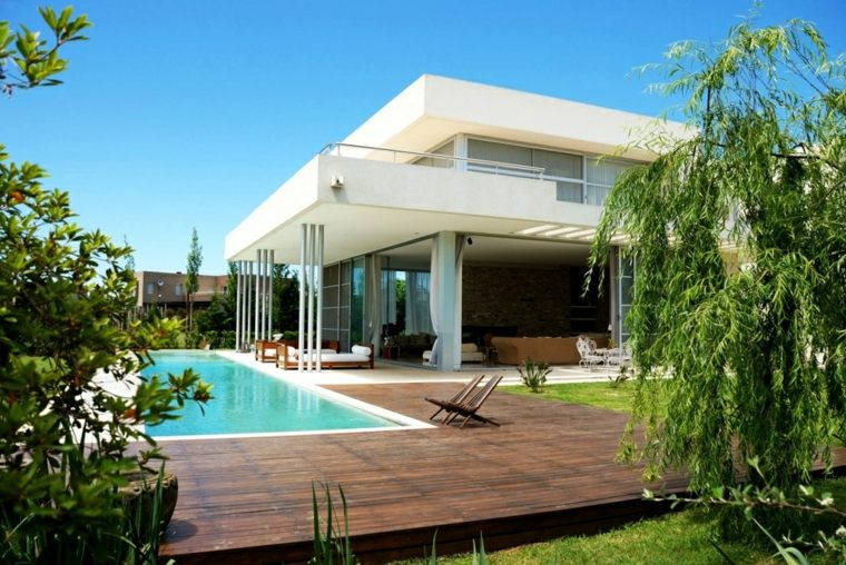 jardines-piscinas-arboles-madera-senales-sistemas