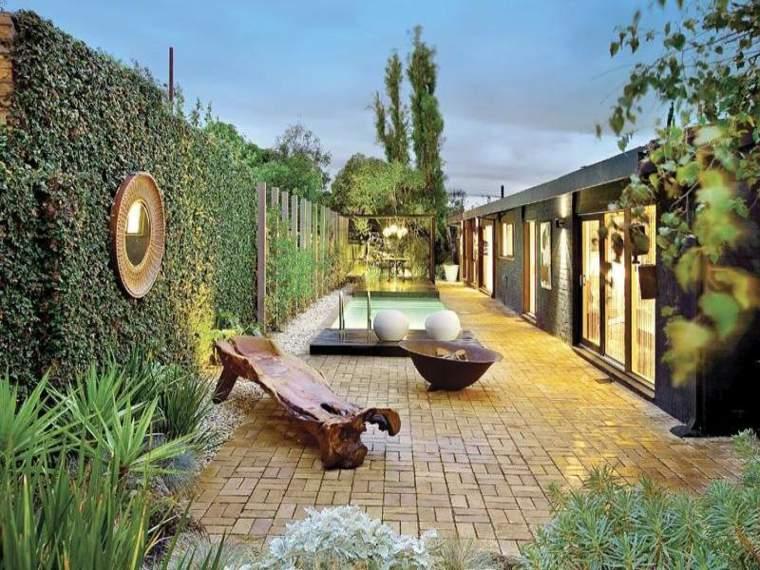 jardines-piscinas-estrecho-alargado-modelos-espejos