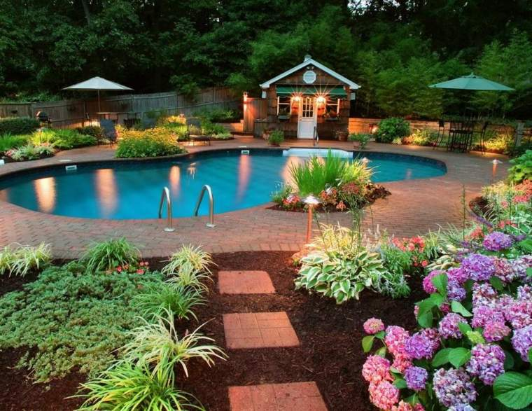 jardines-piscinas-iluminacion-jardines-potencial-pendientes