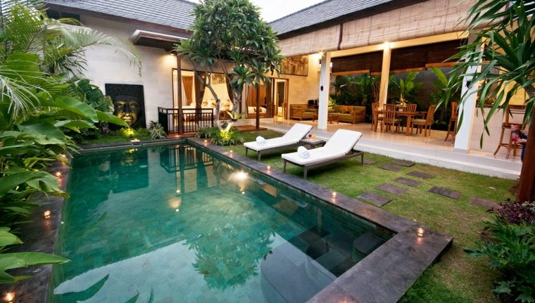 jardines-piscinas-puntos-iluminados-salones-exteriores-comedores
