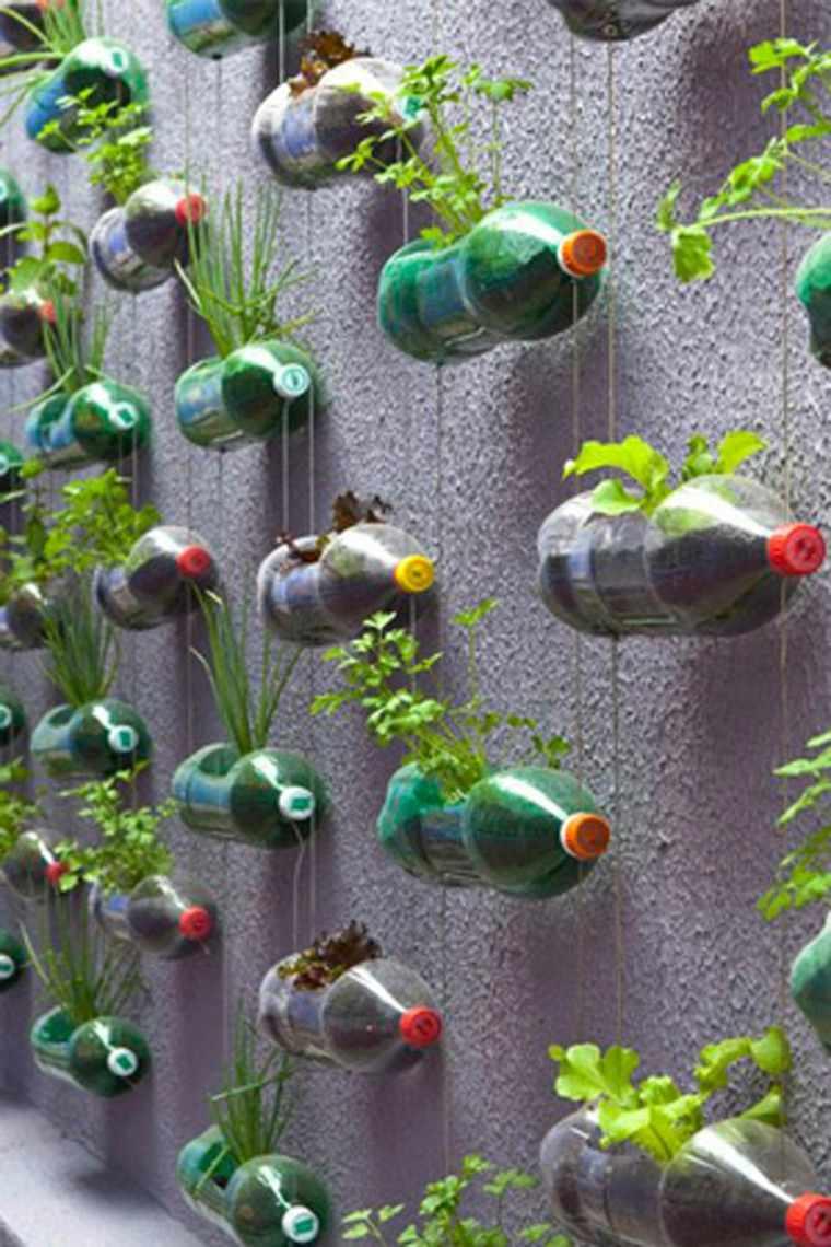 jardin vertical casero jardines verticales caseros aprende a dise arlos y mantenerlos originales ideas botellas plástico. Cuando se trata de hacer sus propios jardines verticales  caseros ...