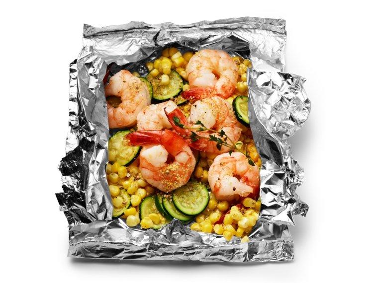 Langostinos al horno introduciendo el marisco en el men for Cocinar xarda al horno