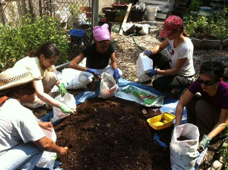 mantenimiento-de-jardines-salas-compost-suelos-imagenes