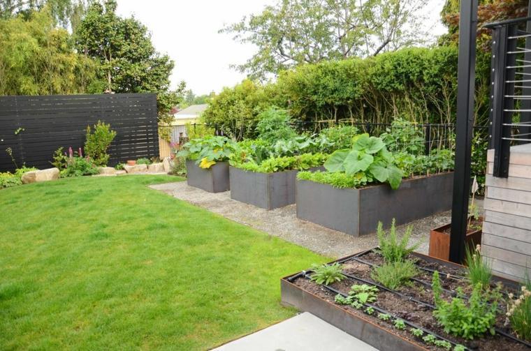 mantenimiento-de-jardines-sillones-especiales-acero