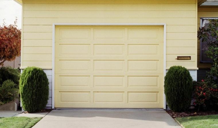 Puertas de garaje modernas y funcionales para la casa for Casa grande garage door repair