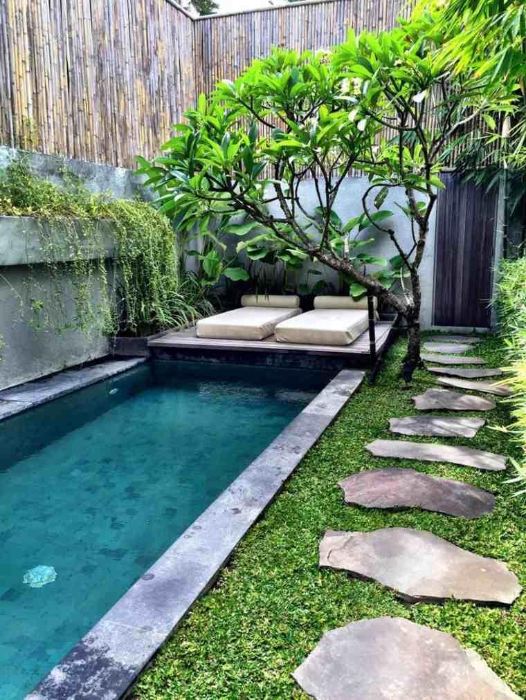 Decoraci n de jardines peque os y patios traseros for Diseno jardin pequeno con piscina