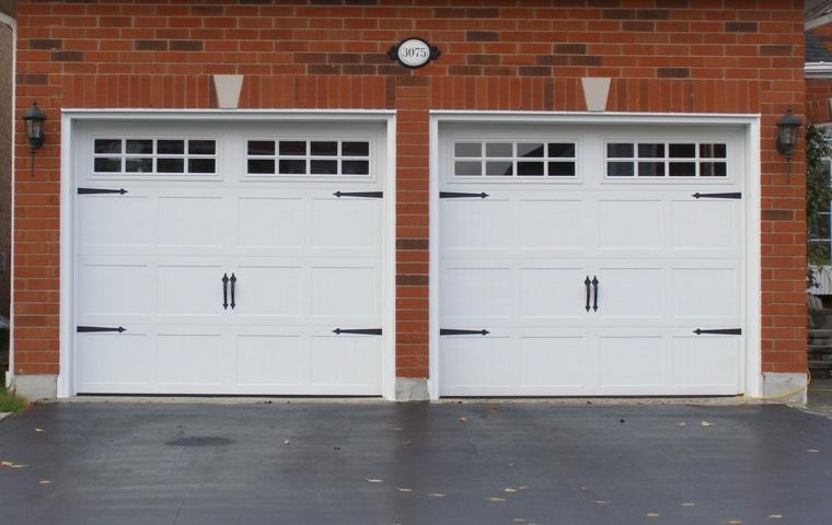 puertas de garaje dobles modernas