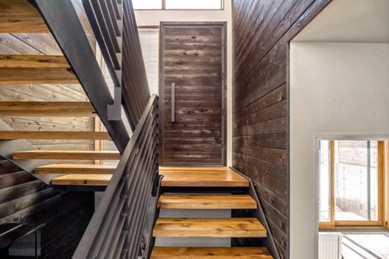 Puertas de madera para el interior y para la entrada de casa - Interior casas de madera ...