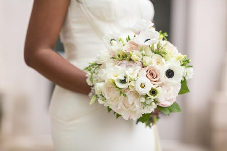 ramos novias rosas anemonas diseno estilo ideas