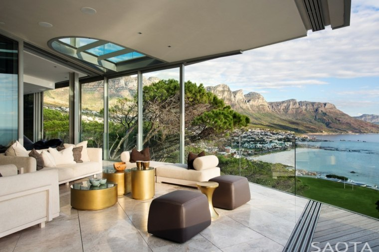 salones vistas sofa amplio blanco conceptos dorados
