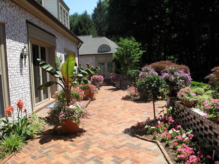 suelo-adoquines-jardin-opciones-originales