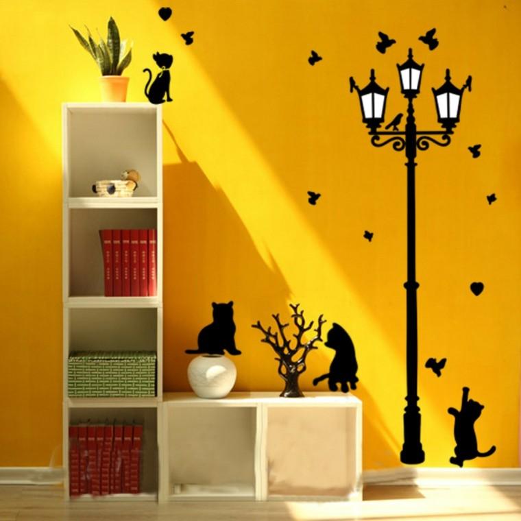 Vinilos infantiles para decorar las paredes de los for Puertas decorativas para interiores