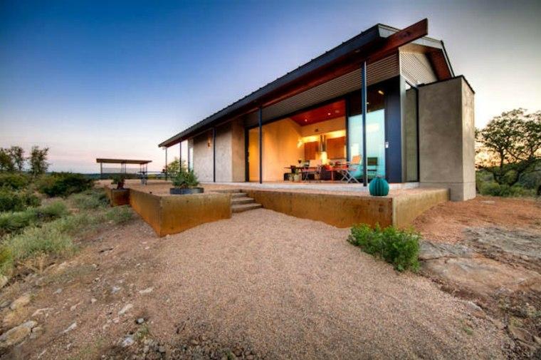 Porches de obra modernos y terrazas cubiertas con estilo for Design casa moderna