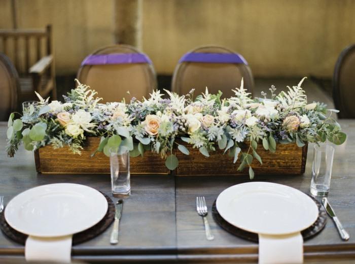 centro-mesa-recipiente-madera-flores