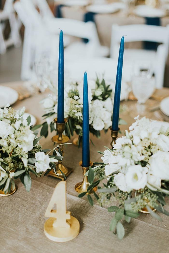 centros de mesa para boda-velas-color-azul