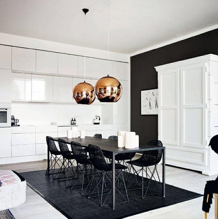 comedor-diseno-blanco-negro-lamparas-modernas-brillantes
