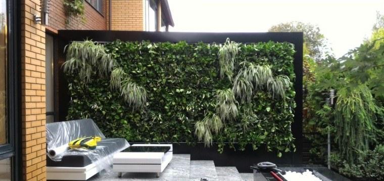 como-hacer-un-jardin-vertical-espacio-aire-libre-modernos