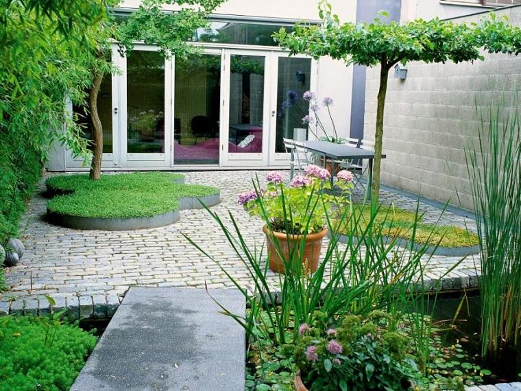 diseño de exteriores-jardines-pequenos-camino-pergola