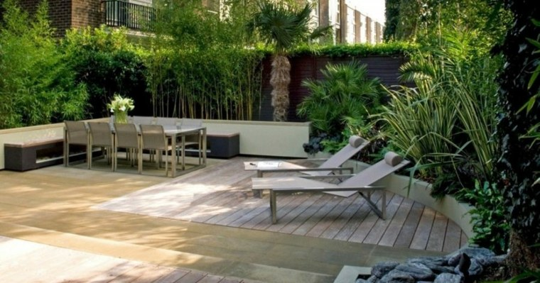 diseño de exteriores-jardines-pequenos-comedor-tumbonas