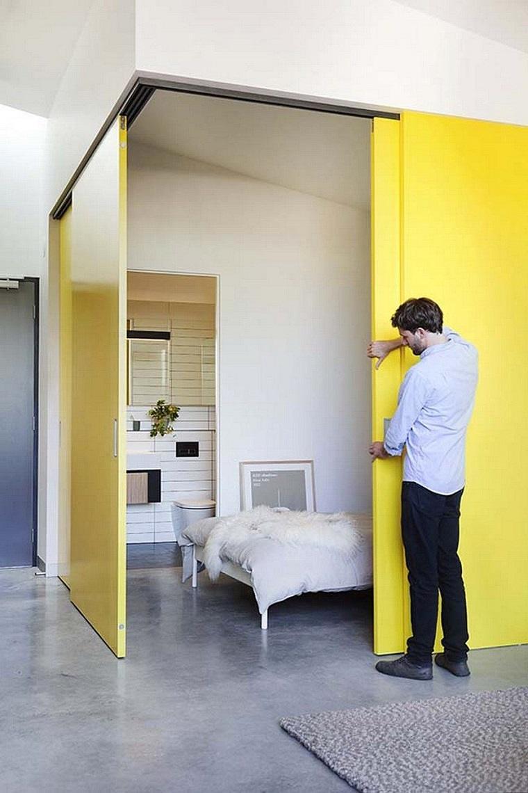 diseno interior-apartamento-modernos-puertas-amarillasMUSK-Architecture-Studio