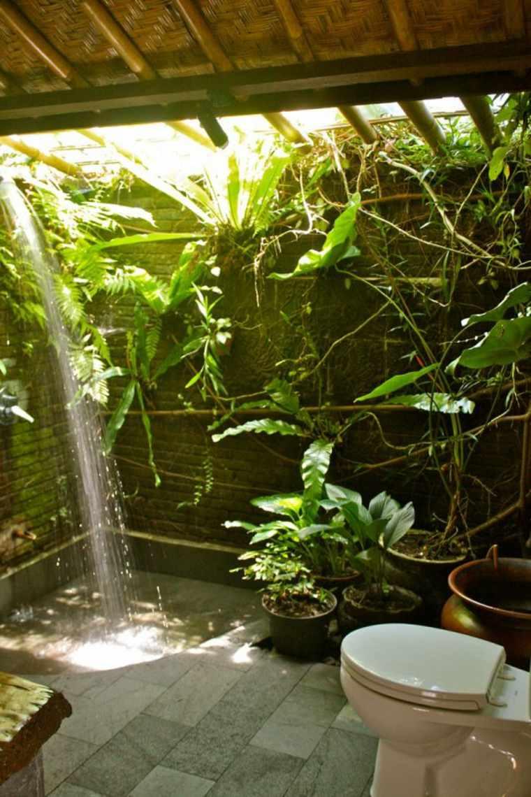 patio con ducha