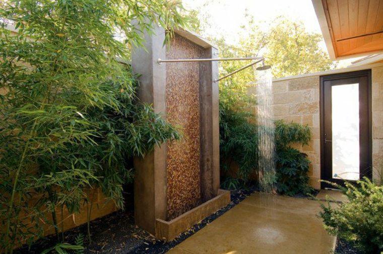 fuente con ducha