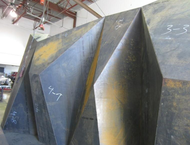 escultura-moderna-metal