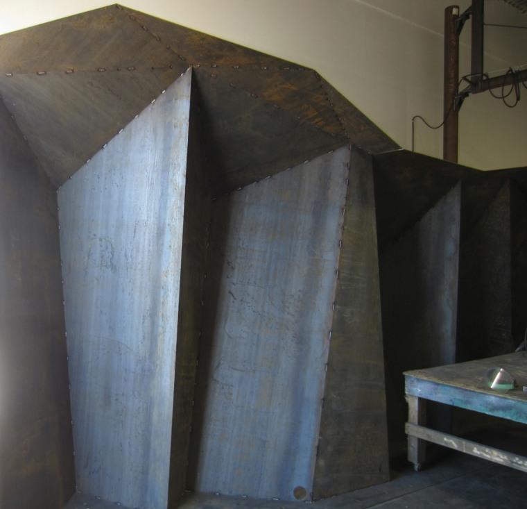 escultura-modernista-metal