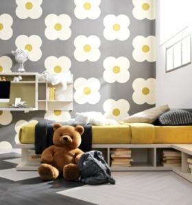 habitaciones-infantiles-pequenas-cama-papel-pared-flores