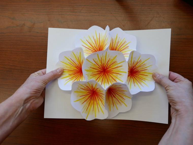 hacer manualidades con papel decorar
