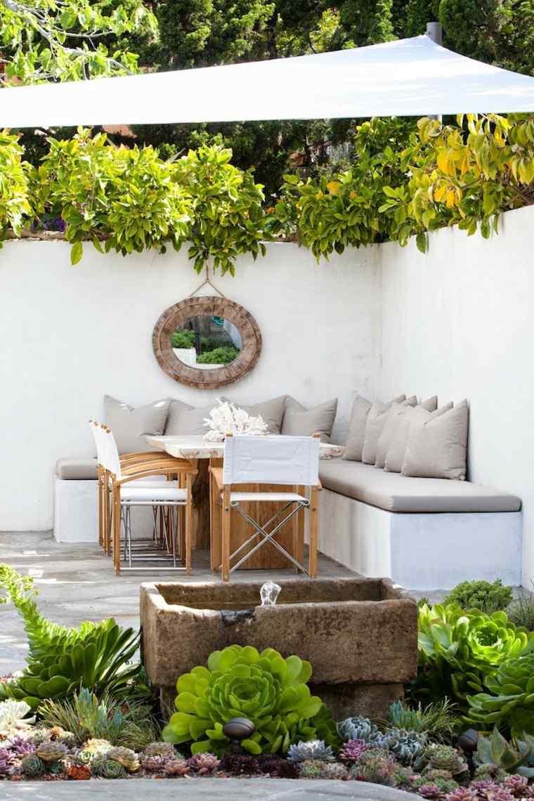 ideas-para-decorar-jardin-espejos-comedor-aite-libre