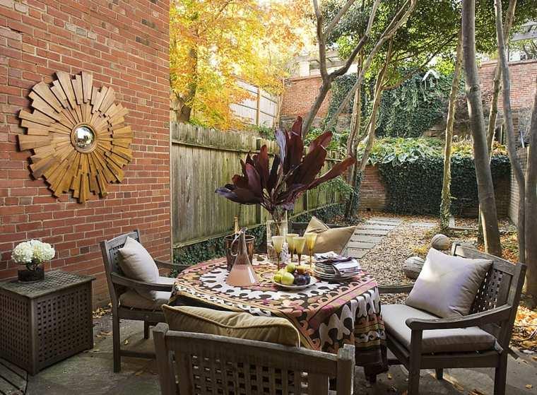 ideas para decorar jardín-espejos-comedor-exterior-pared