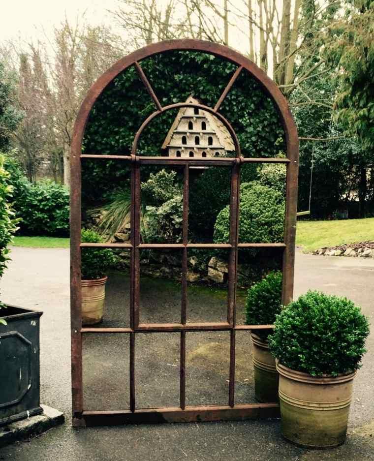 ideas para decorar jardín-espejos-estilo-rustico
