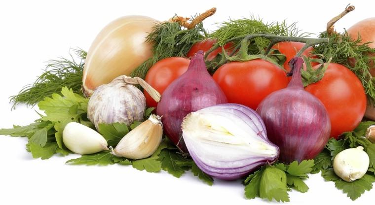 tomates, cebollas ajos
