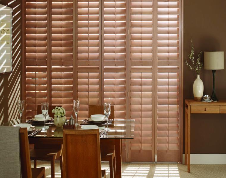 persianas de madera comedor