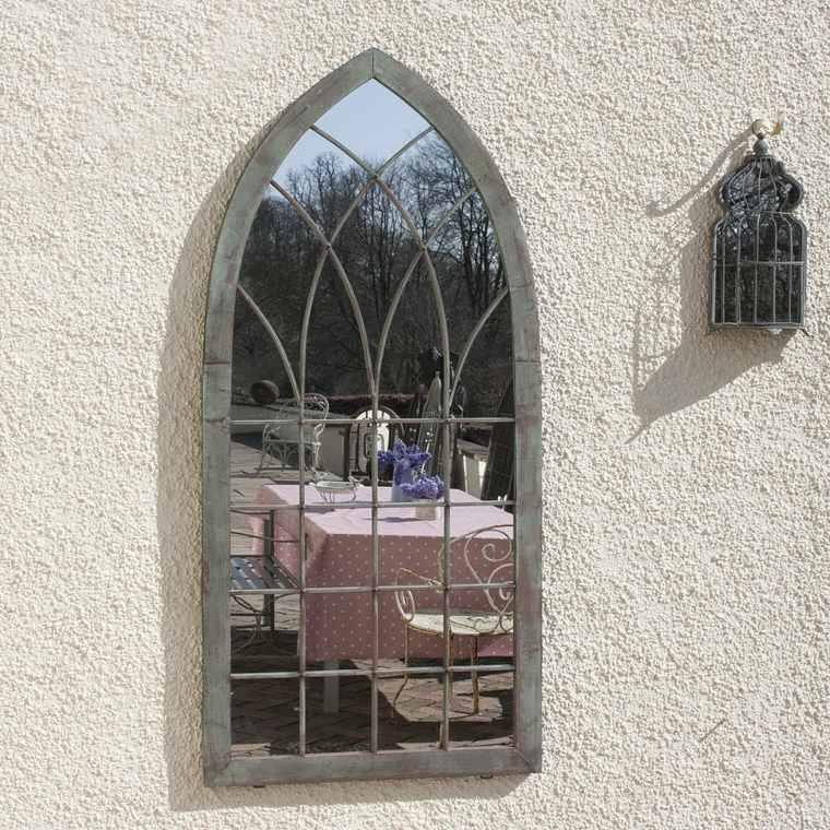 jardin-espejo-estilo-gotico-forma-original