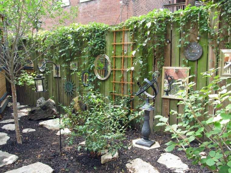 jardin-valla-madera-verde-decoracion-espejos