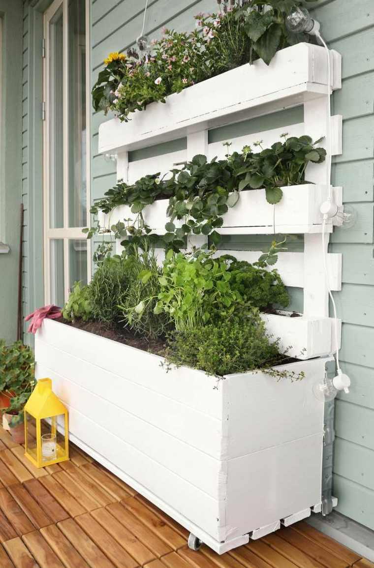 C mo hacer un jard n vertical ideas para exteriores e for Plantas recomendadas para jardin vertical