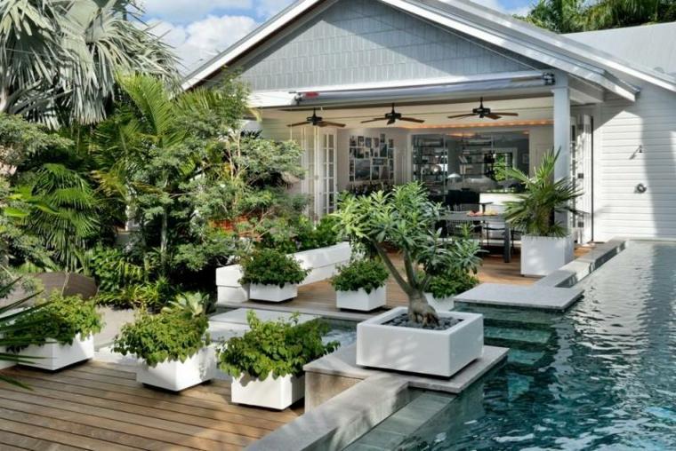 jardines-pequenos-macetas-arboles-piscina