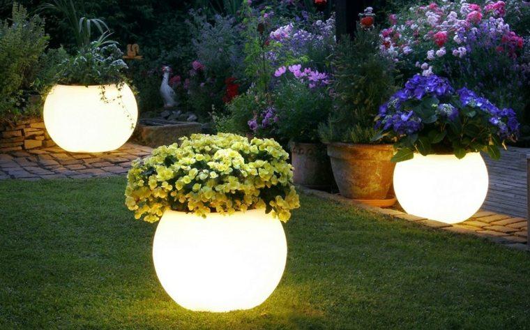 plantadores con luz