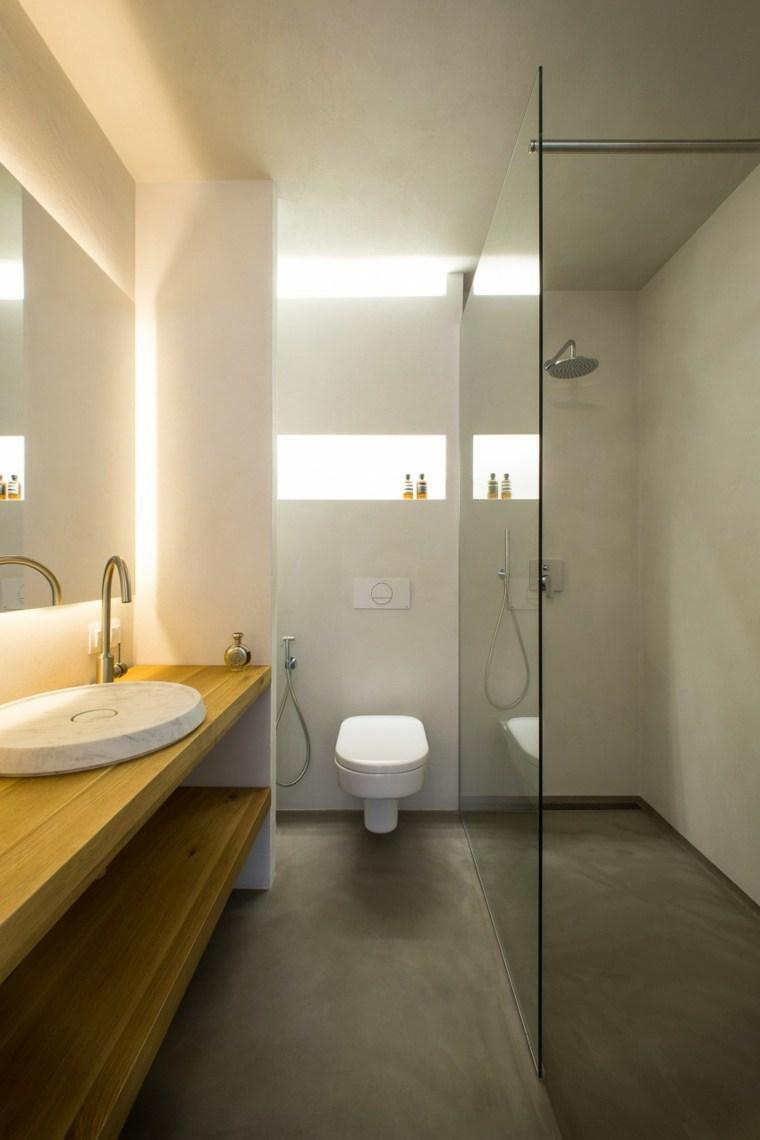 decoración de baños pequeños lavabo-madera-mampara-cristal-ducha-Elia-Nedkov