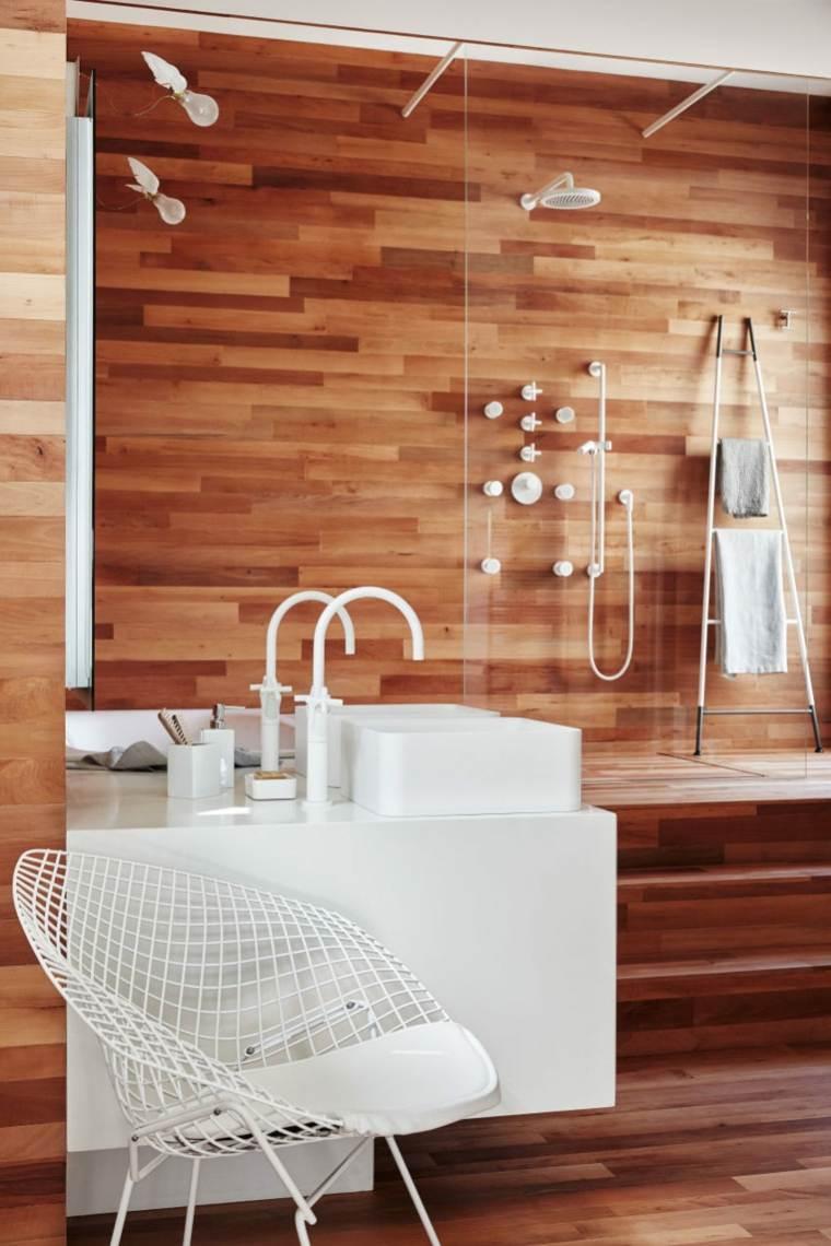 madera-acabados-bano-blanco
