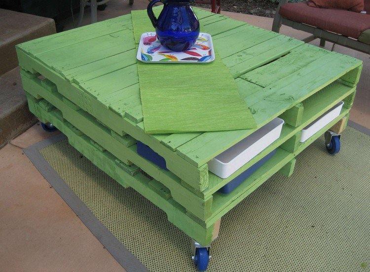 muebles de jardín baratos mesa-color-verde-vibrante-muebles-exterior-palets