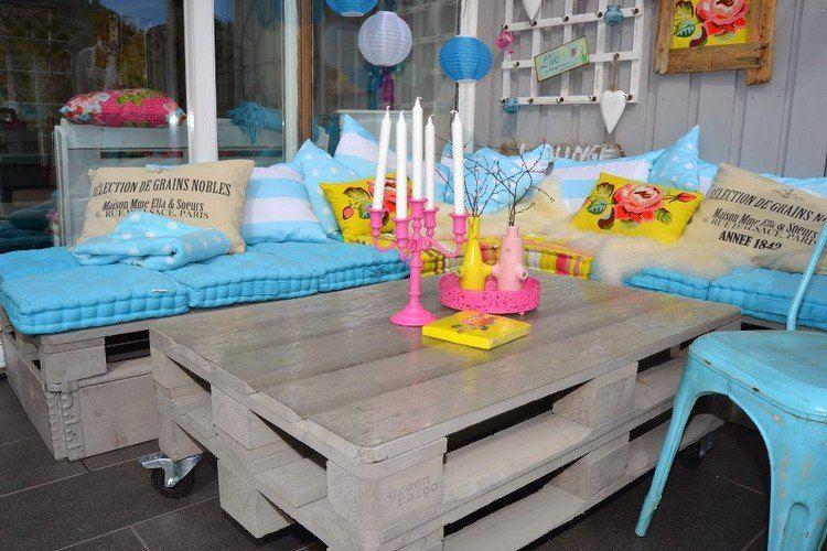 Muebles de jard n baratos 20 ideas de muebles hechos con for Mesa exterior diseno