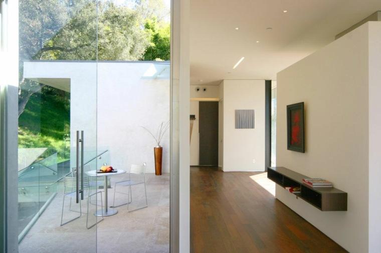 minimalista-efectos-especials-patio