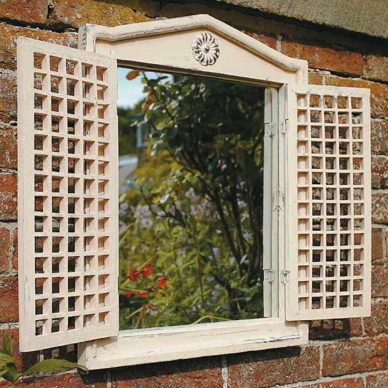Ideas para decorar jard n con espejos m s de 40 fotos for Espejo marco madera blanco