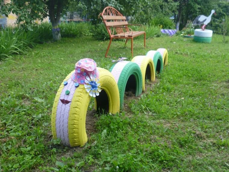 parque infantil-gusano-neumaticos-manualidades
