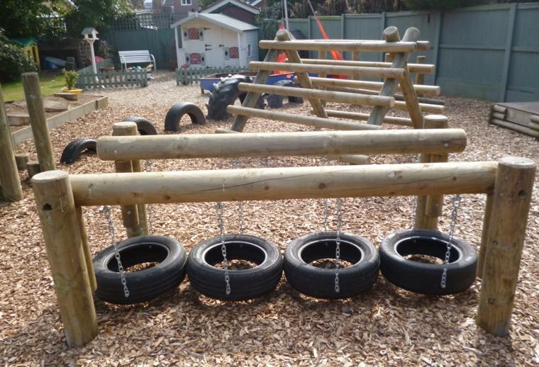 parque infantil-jardin-entrenamiento-juegos-ninos
