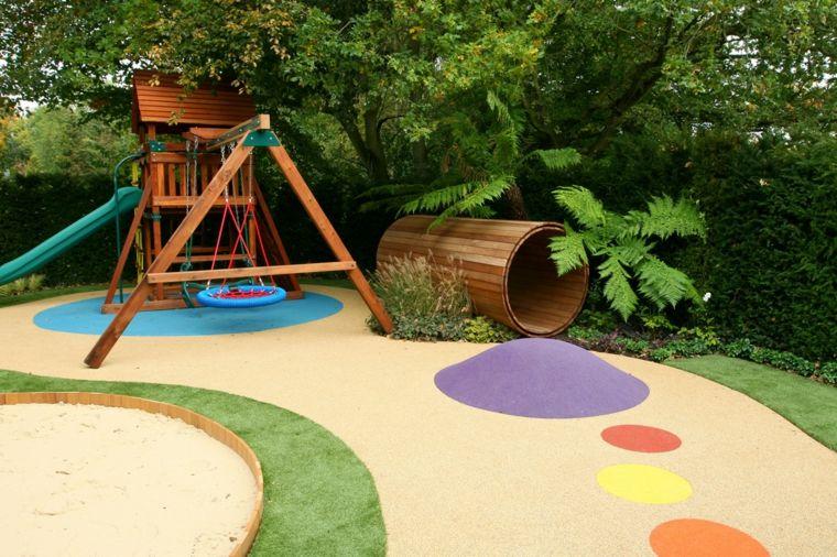 parque-infantil-jardin-tunel-columpio