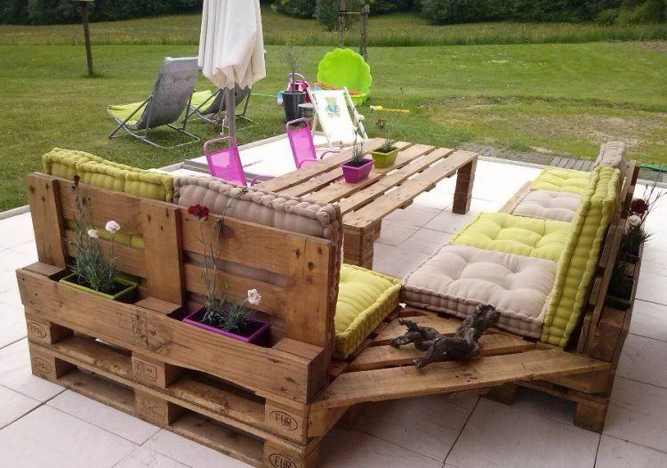 sofa-angulo-diseno-original-exterior-estilo-mesa